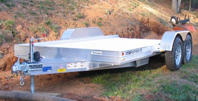 2005 Featherlite 3110