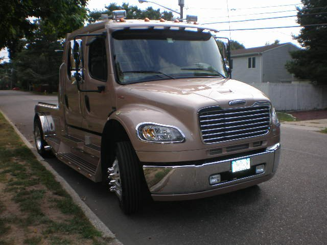 2007 Freightliner M2 106 Sport Chassis -