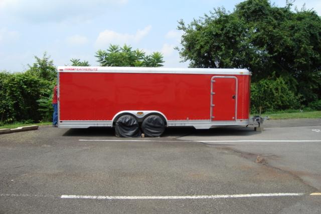 Enclosed car hauler