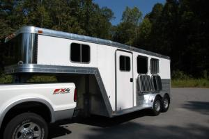 2009 Featherlite 8541 GN Slant Load 2 Horse Trailer