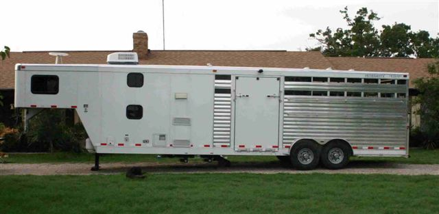 2004 Aluminum Integrity Horse/Livestock Trailer w/ LQ