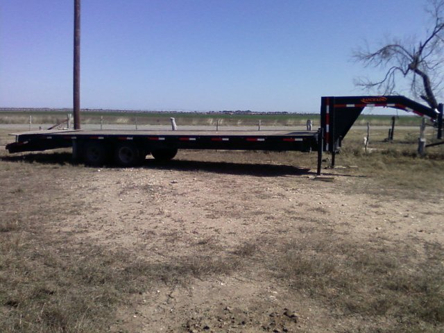 2008 RanchKing 32ft gooseneck trailer