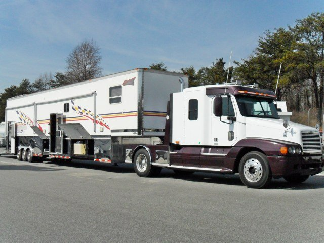 Freightliner Tractor w/2 Car Stacker Trailer