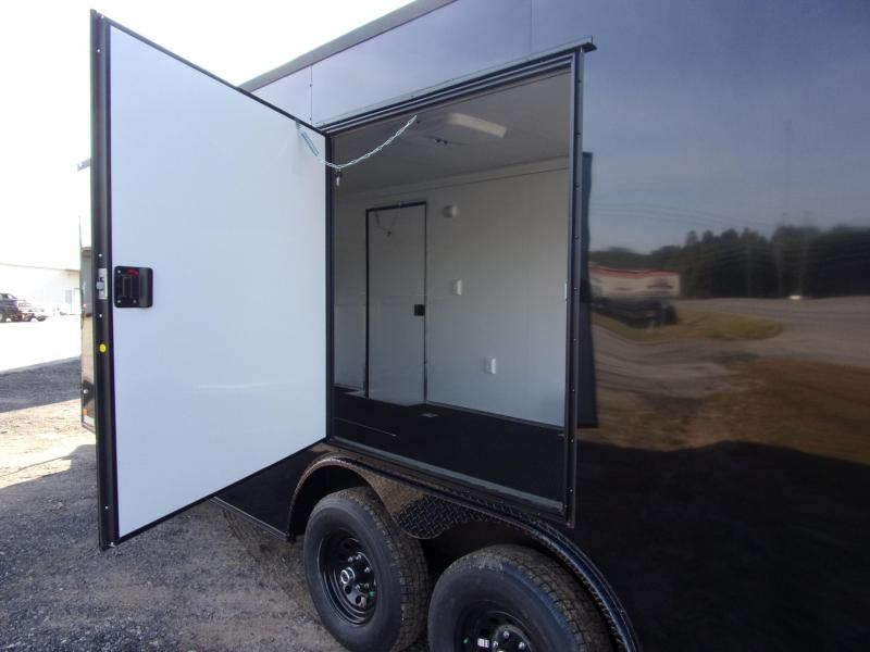 2020 Covered Wagon 8.5x24 030 v-nose blackout finished int carhauler